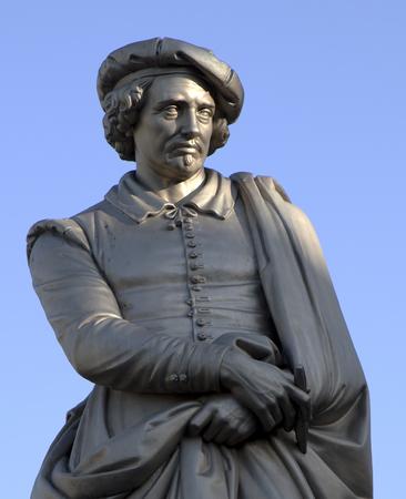 Amsterdam, Nederland, 19 november 2017: standbeeld van rembrandt op het Rembrandtplein in Amsterdam Redactioneel