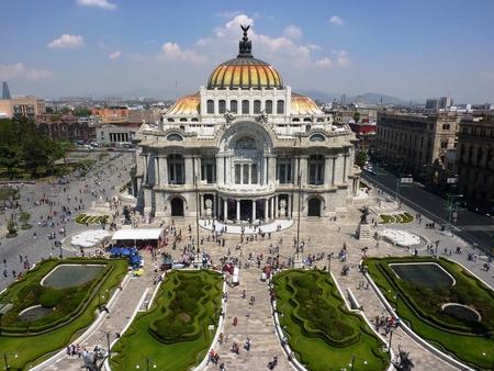 Bellas Artes 美術館とメキシコシティのオペラハウス 報道画像
