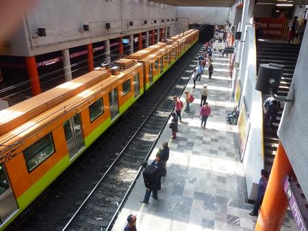 2015 年 3 月 10 日: メキシコシティの Pantitlan 地下鉄駅