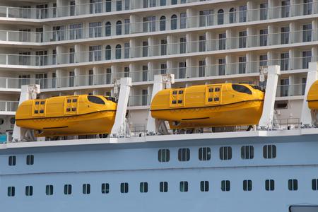 Liefeboats Standard-Bild - 56868919