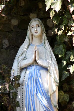 Eine Mary-Statue Standard-Bild - 57872482