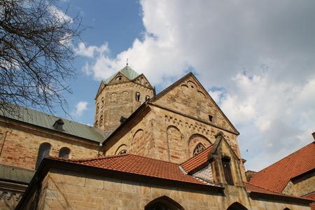 Ein Turm der Kathedrale Standard-Bild - 57872492