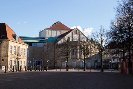 Der Theater im Osnabrück Standard-Bild - 98973702