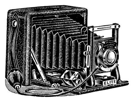 bellow: Una antigua ilustraci�n grabada en una c�mara con fuelle, aislado en blanco, creado en 1909