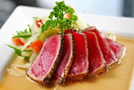 atún: sashimi de atún Foto de archivo