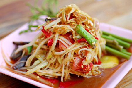Som tum Thai papaya salad