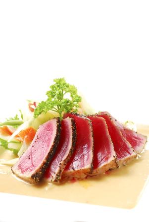 seared: Seared Tuna with Salad