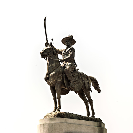 The Statue of King Taksin. The Great King Taksin riding on a horseback was unveiled in the middle of Wongwian Yai (the Big Traffic Circle) in Thonburi Stock Photo