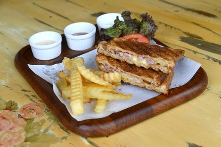 jamon y queso: sándwich de jamón queso