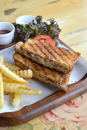 jamon y queso: s�ndwich de jam�n queso