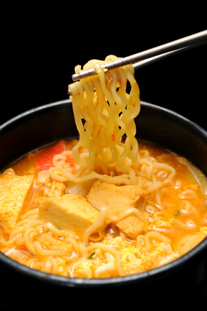 キムチチゲ スープと韓国麺