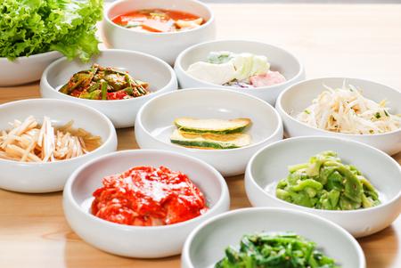 Korean side dishes 版權商用圖片 - 57867127