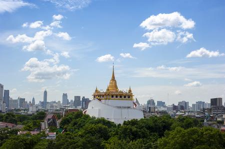 Temple of the Golden Mount at Wat Saket, Travel Landmark of Bangkok THAILAND Фото со стока