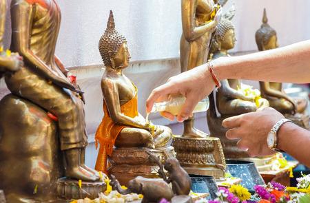 songkran: songkran buddha