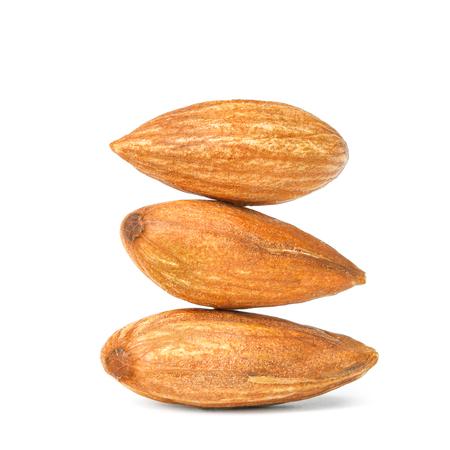 almond pile isolated on white background 版權商用圖片 - 80305533