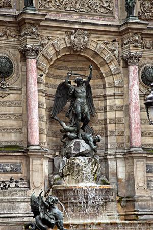 fontaine: Fontaine Saint-Michel, in Paris, France Editorial