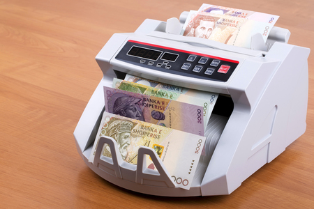 Albanian money in a counting machine