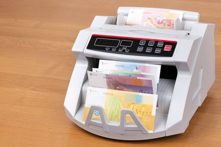 Comorian Franc in a counting machine
