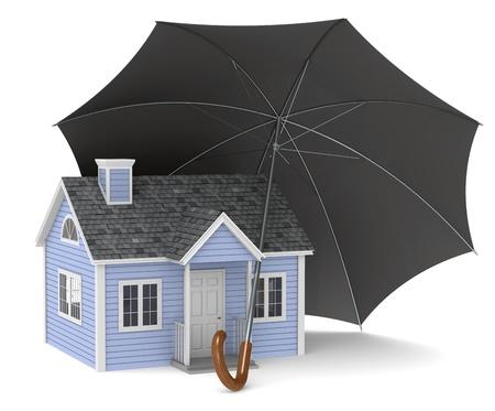 agent de s�curit�: Assurance habitation. Une maison prot�g�e par un parapluie Banque d'images