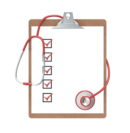 equipos medicos: Portapapeles con marcas de verificaci�n y un estetoscopio. Rojo y acero. Aislado.