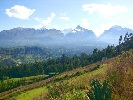 WHITE MOUNTAINS view PERU