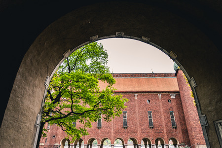 The beautiful and magnificent Stockholm City Hall. Home to the Blue Hall where the Nobel Prize ceremony takes place. In 1903 a architectural competition was announced and constructions started 1913. 報道画像