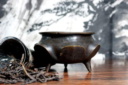 Oriental tea set and Green tea on Painting background 版權商用圖片