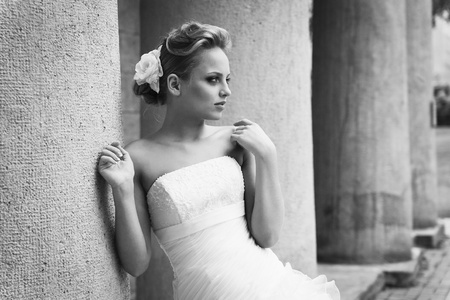 nude bride: A beautiful bride in the white wedding dress.