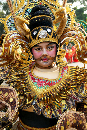 childern traditional art street festival ini solo, insonesia