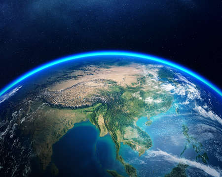 아시아에 초점을 맞춘 우주에서 본 지구. 어두운 별이 빛나는 밤하늘에 대 한 자세한 렌더링합니다.