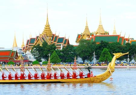 Royal Barge Suphannahongse,wat phra kaew,bangkok Thailand Фото со стока