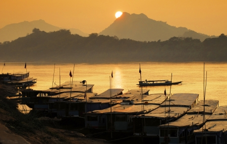 mekong: Mekong river,port, Luang Prabang, laos