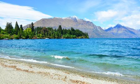 wakatipu: Lake Wakatipu in Queenstown ,southern island of New Zealand