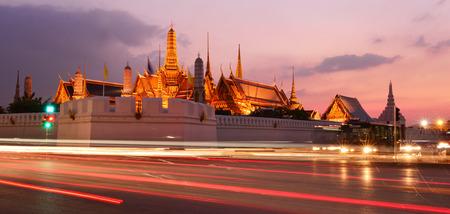 pra: Wat Pra Keaw at twilight time Bangkok, Thailand Editorial