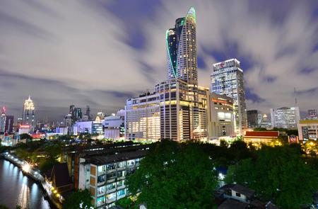 paragon: BANGKOK THAILAND - JULY 21 : Night view of Central World CTWand Paragon the famous shopping malls in downtown of Bangkok on July 21,2015 Bangkok Thailand