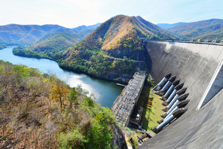 bhumibol: The power station at the Bhumibol Dam in Thailand. The dam is situated on the Ping River and has a capacity of 13,462,000,000 cubic Stock Photo