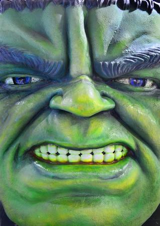 avenger: Bangkok, Tailandia - 29 de junio, 2016: Pantalla enojado Hulk Modelo en la zona de la tienda y el juego en MBK Center.