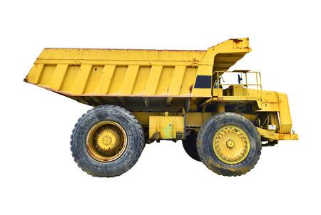 camion minero: Carro de mina amarillo sobre fondo blanco.