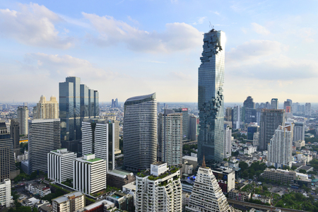Bekijk commercieel modern gebouw en condominium in het stadscentrum van Bangkok Thailand