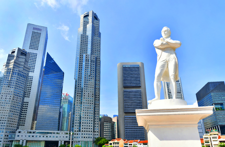 Singapore - OCTOBER 3,2018 : Statue of Sir Stamford Raffles near Singapore river