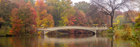 Autumn at the Bow bridge in Central Park, New York City Stock Photo