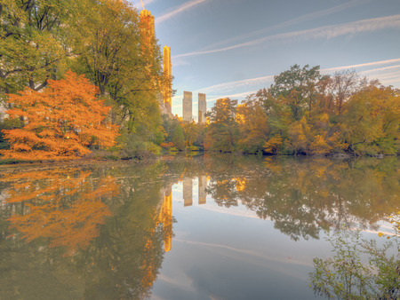 Central Park, at the lake in late autumn in early morning