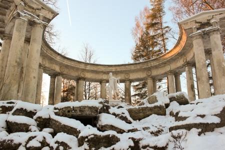 colonade: Apollo Colonade in Pavlovsky Park on January 2014, Saint-Petersburg