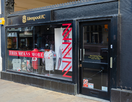 Chester, UK: Aug 6, 2018: Liverpool Football Club shop premises in Chester city centre. Liverpool FC play in the Premier League which is the top tier of English football. Sajtókép