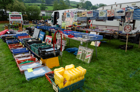 Bala Lake, UK: May 27, 2018: Despite the poor weather, The Festival of Transport saw a good turn out of classic cars, tractors, bikes, Landrovers, commercial vehicles, side stalls & traders. Imagens - 120450716