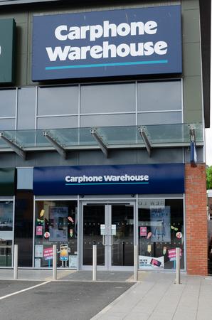 Prestatyn, UK: June 3, 2018: The Carphone Warehouse standalone store on the Parc Prestatyn Retail Park. 에디토리얼