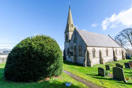 Gorsedd, Großbritannien - 25. März 2019: Die hochgotische Pfarrkirche St. Paul im Dorf Gorsedd in Nordwales. Entworfen vom Architekten Thomas Henry Wyatt. Editorial