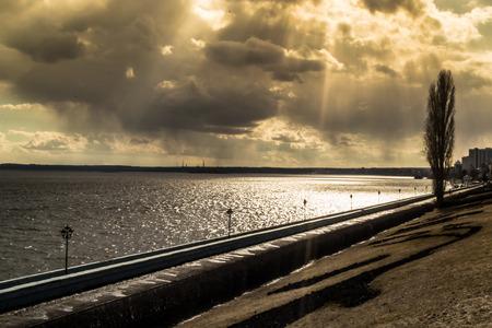 sunshines: Sunshines onto the banks of the river volga in Saratov