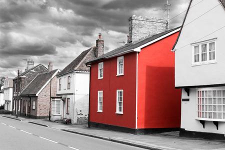 14 de agosto - El solo rojo se pintó la casa Foto de archivo - 45324929
