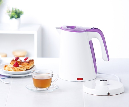 White kettle electric water boiler isolates in the kitchen Stock Photo - 15669158